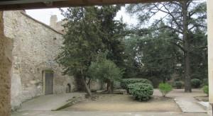 """2015 Avignon (F), Petrarca & Laura, Couvent de Sainte-Claire: """"un petit jardin marque la place du cloître"""""""