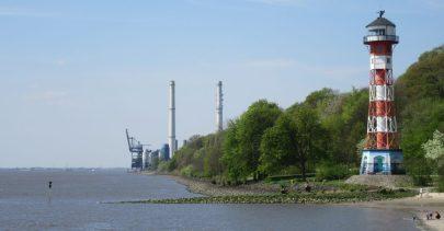 Elbe downstream, towards Wedel