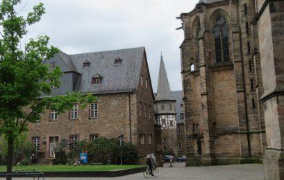 2016_05_19 Marburg/Lahn, Bei der Elisabethkirche