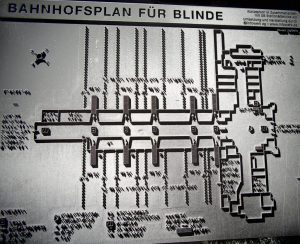 2016_07_07 Bremen, Bahnhofsplan für Blinde