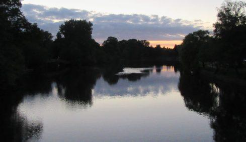 2017_06_04 Hamburg-Eppendorf: Alster von Meenkwiese aus