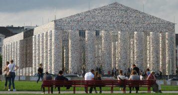 Marta Minujín: Parthenon of books