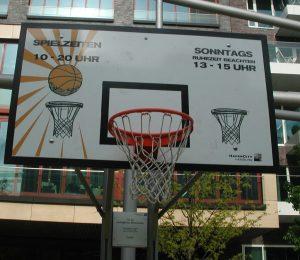 2010_05_26 Hamburg, HafenCity Basketball: Ruhezeit beachten