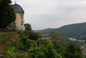 Dornburg: vorm Rokoko-Schloss