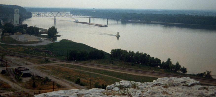 1988_07_08 Mississippi River near Hannibal