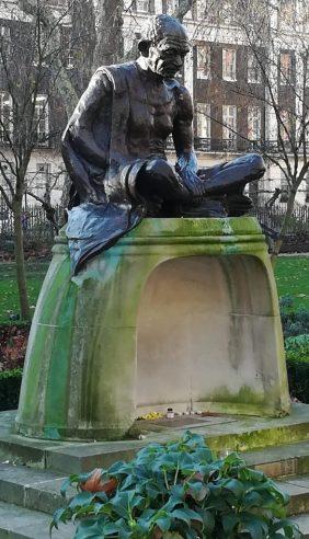 2018_12_28 Tavistock Square: Gandhi
