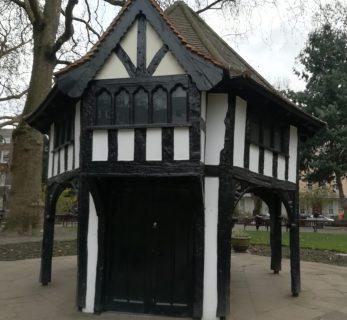 2019_01_01 Soho Square hut 1926