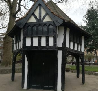 2019_01_01 London (UK): Soho Square hut 1926