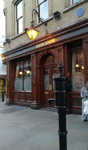 2019_01_01 London (UK): Pump & pub John Snow
