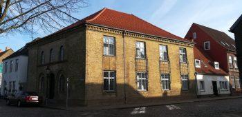 2019_02_16 Friedrichstadt: Judenschule (li), Synagoge, Rabbinat (re)