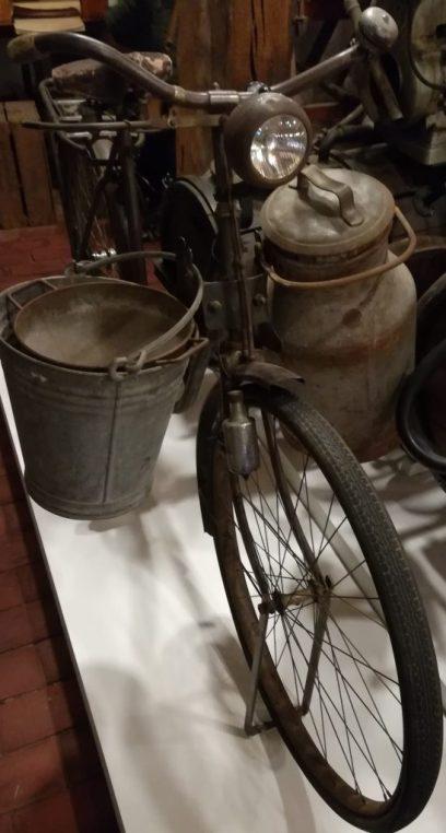 """2019_05_04 Jork Museum """"Altes Land"""" Melkrad um 1950"""