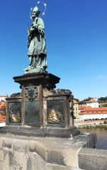 2019_09_04 Prag, Karlsbrücke mit Nepomuk