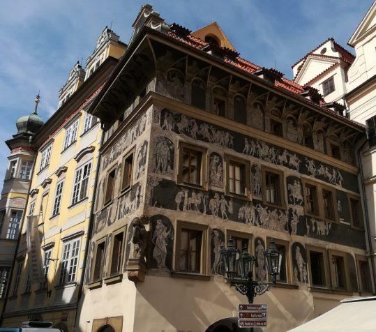2019_09_06 Prag, Haus Minute