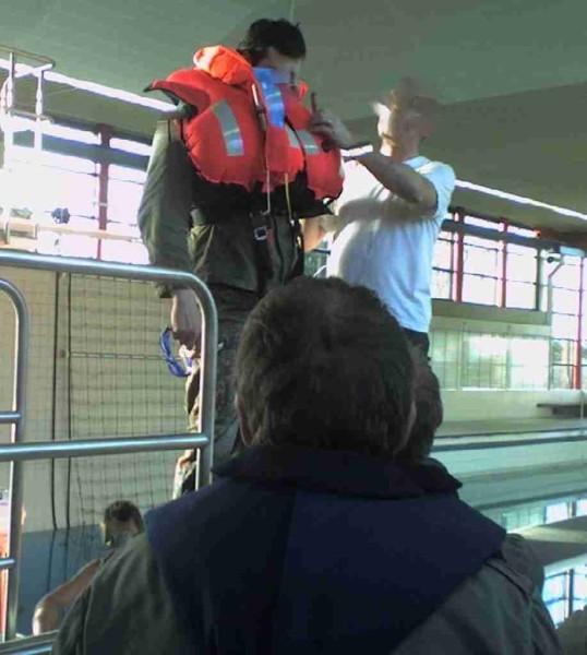 2007_02_02-03 Neustadt/H.: Schwimmweste