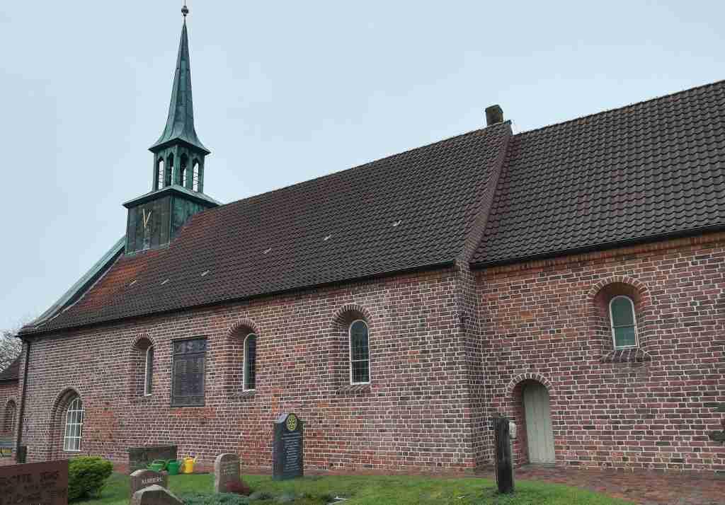 2020_10_31 125856a St.Peter mit Dachreiter, SPO-Dorf